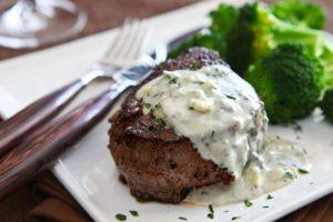 naked steak or dressed steak